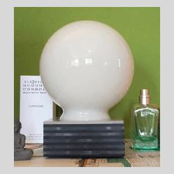 Lampada da tavolo artigianale in vetro e plexiglass