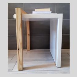 Tavolino in legno sbiancato